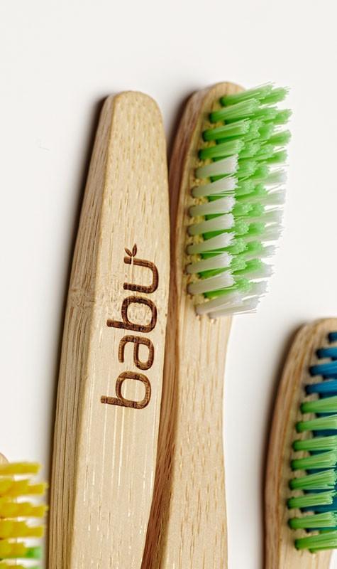 Babu: Cepillos de Bambú